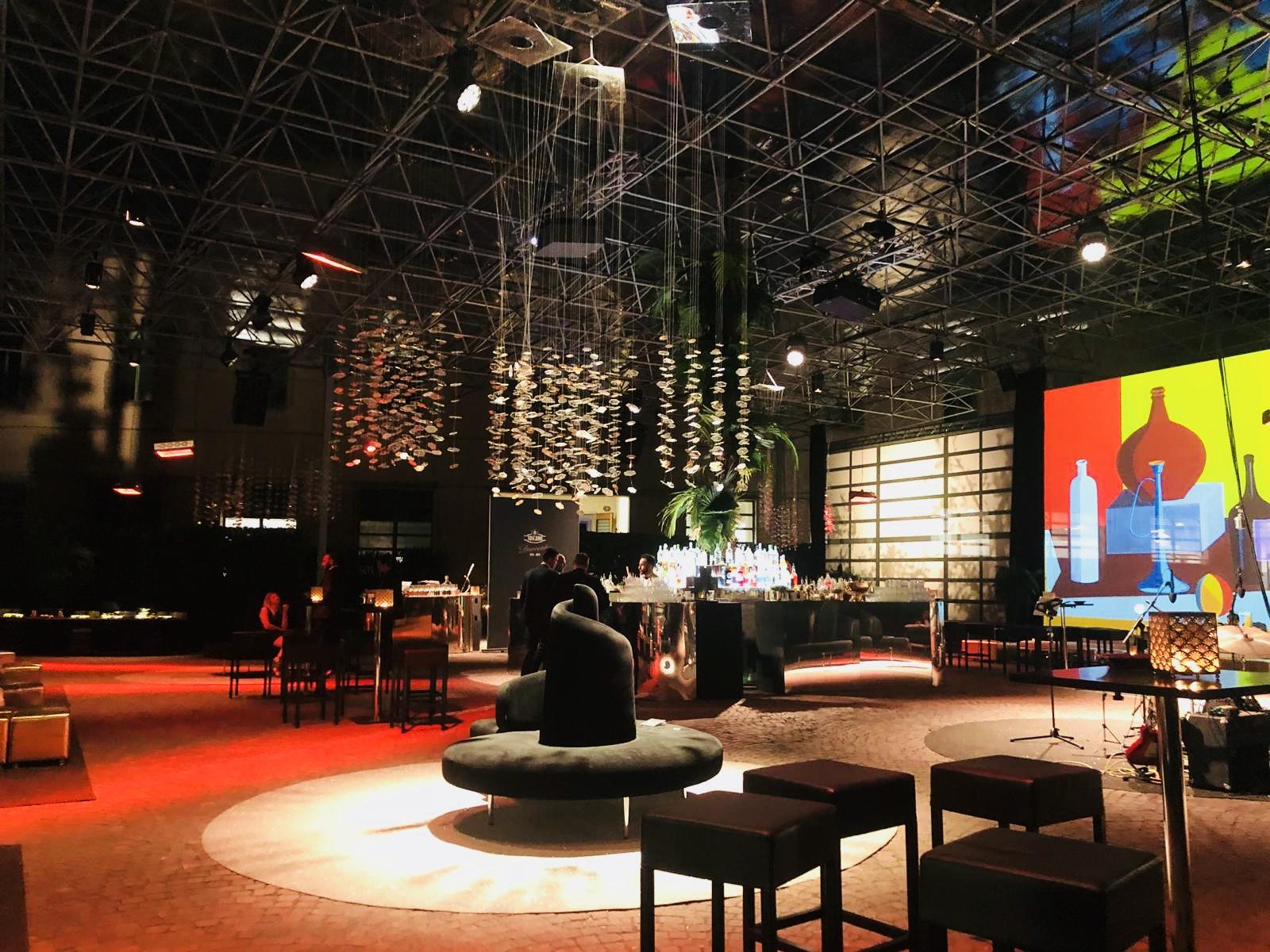 200 anni di Manifatture Sigaro Toscano 2018 – Firenze – Gala Dinner (Chef Davide Oldani), Pièce teatrale (Lella Costa), Djset e Live Performance.